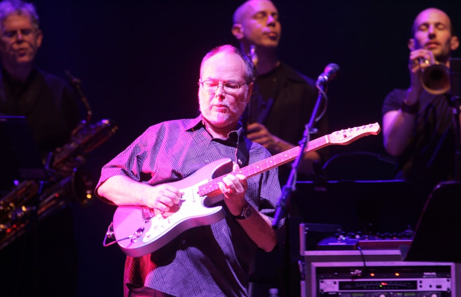 NEW YORK - MAY 21:  Walter Becker of Steely Dan performs at the Beacon Theatre on May 21, 2007 in New York City.