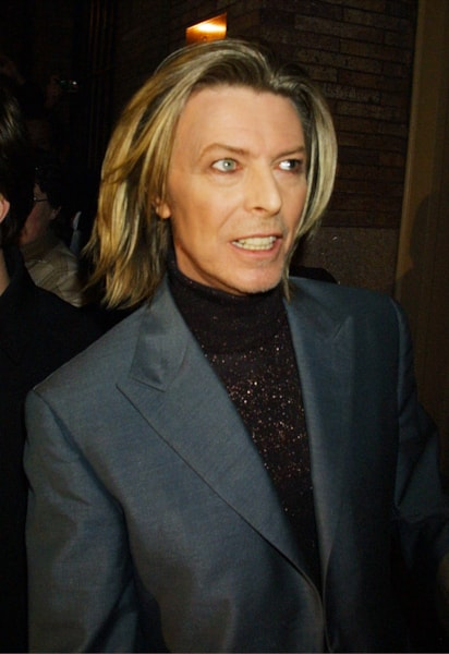 386017 05: Singer David Bowie arrives for the 11th Annual Tibet House Benefit Concert February 26, 2001 at Carnegie Hall in New York City. (Photo by George De Sota/Newsmakers)