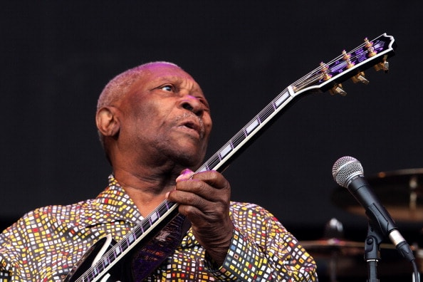 GLASTONBURY, ENGLAND - JUNE 24:  BB King performs at the Glastonbury Festival at Worthy Farm, Pilton on June 24, 2011 in Glastonbury, England. The festival, which started in 1970 when several hundred hippies paid 1 GBP to watch Marc Bolan, has grown into Europe's largest music festival attracting more than 175,000 people over five days.  (Photo by Fergus McDonald/Getty Images)