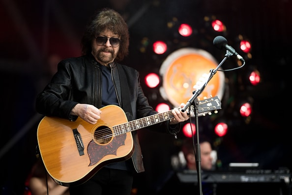 GLASTONBURY, ENGLAND - JUNE 26:  Jeff Lynne performs with ELO on the Pyramid Stage on day 2 of the Glastonbury Festival at Worthy Farm, Pilton on June 26, 2016 in Glastonbury, England. Now its 46th year the festival is one largest music festivals in the world. The Festival, which Michael Eavis started in 1970 when several hundred hippies paid just £1, now attracts more than 175,000 people.  (Photo by Ian Gavan/Getty Images)