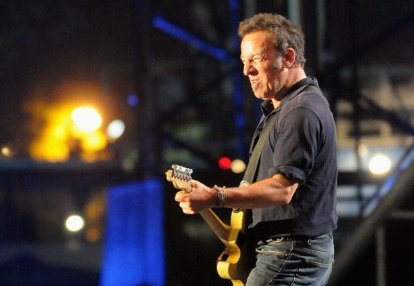 GLASTONBURY, ENGLAND - JUNE 27:  Bruce Springsteen performs on the Pyramid Stage during day 3 of the Glastonbury Festival at Worthy Farm in Pilton, Somerset on June 27, 2009 in Glastonbury, England.  (Photo by Jim Dyson/Getty Images)
