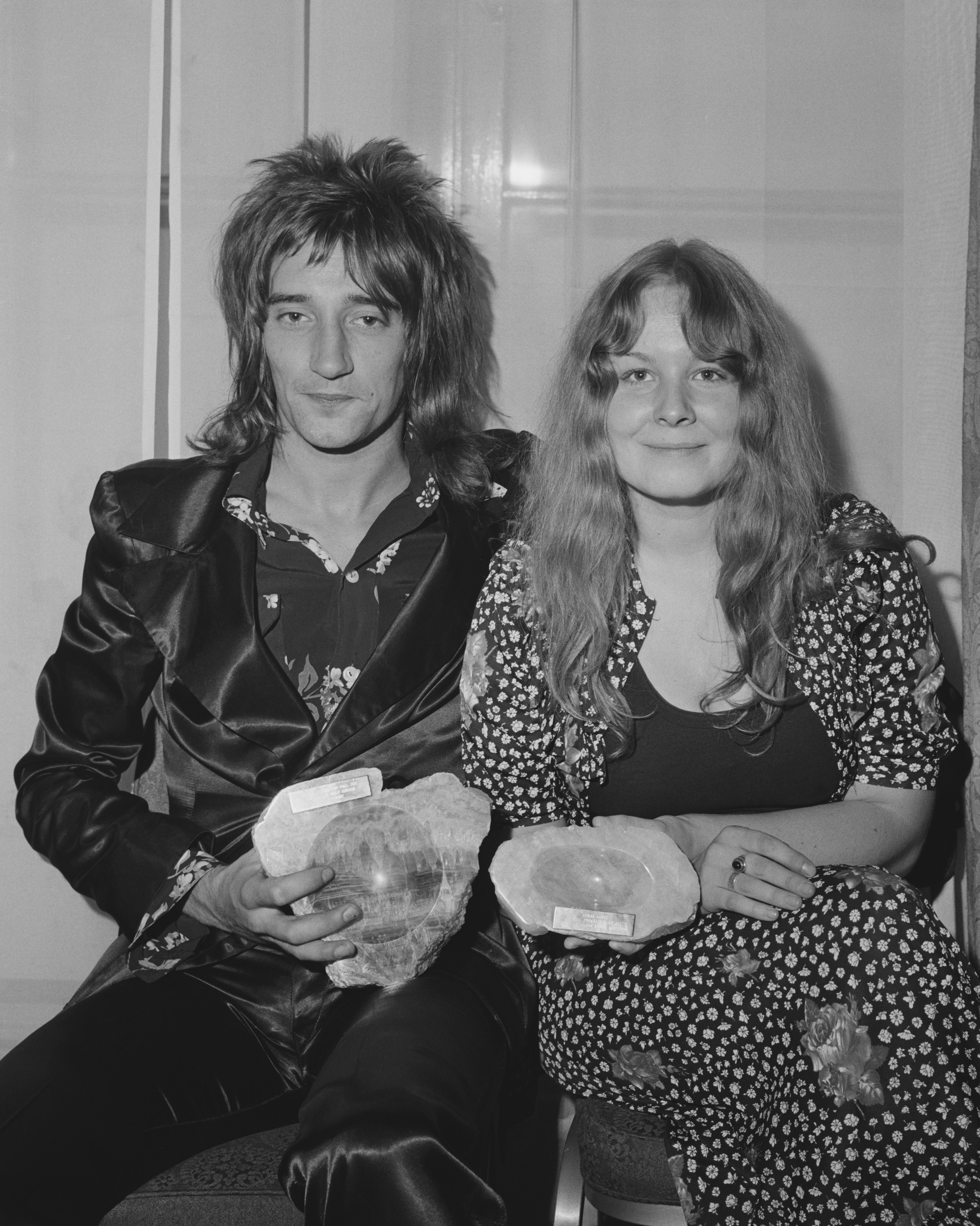British singers Rod Stewart and Sandy Denny (1947 - 1978) with their Melody Maker Pop Poll awards for Top Male and Top Female Singer, after the awards ceremony in London, 15th September 1971. (Photo by Central Press/Hulton Archive/Getty Images)