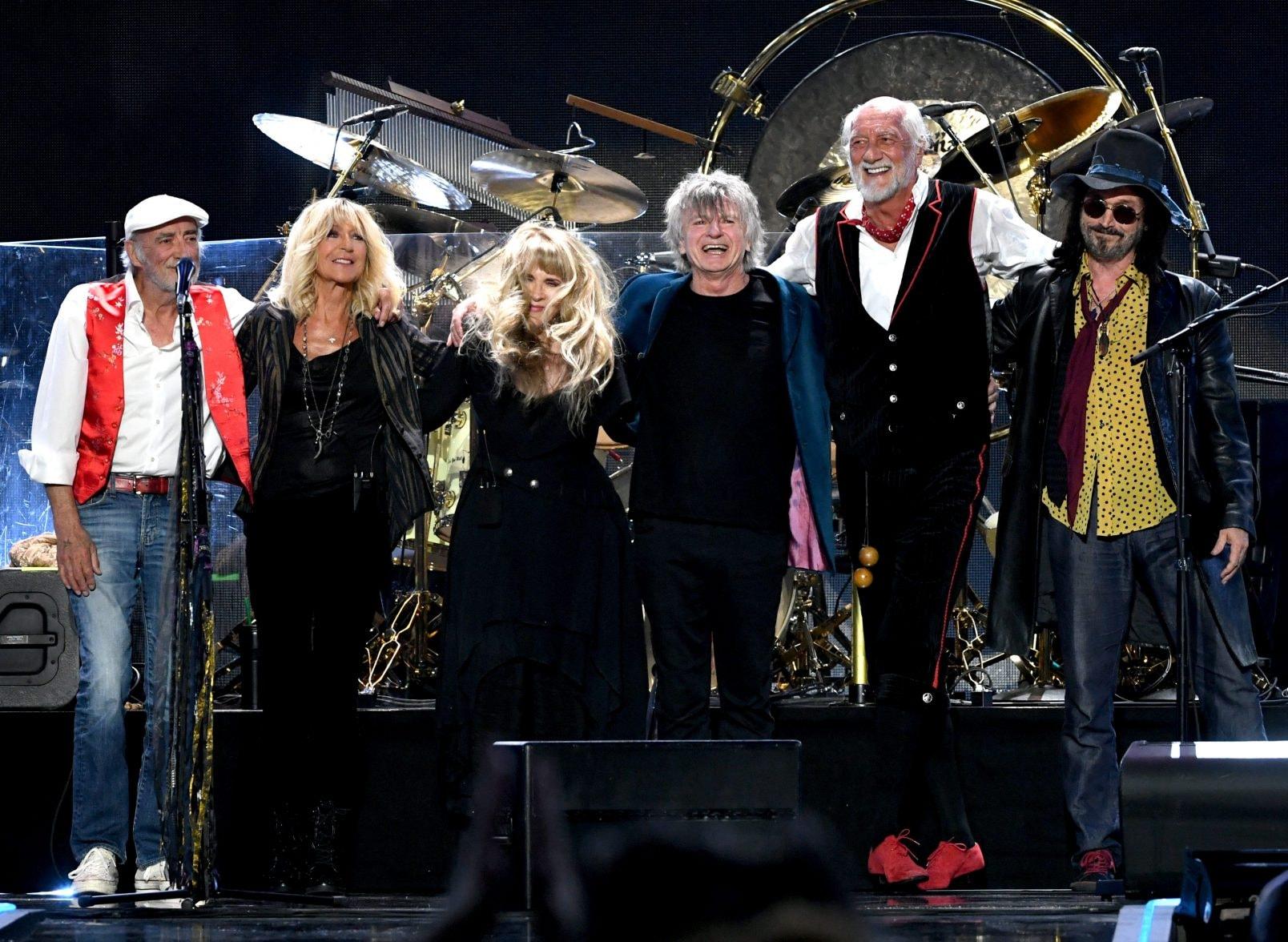 Fleetwood Mac Concert In New Zealand Sees 17 People Kicked