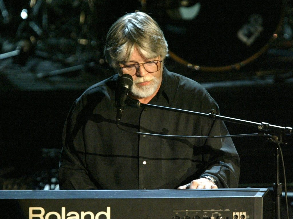 Bob Seger performs onstage at the Rock & Roll Hall Of Fame 19th Annual Induction Dinner at the Waldorf Astoria Hotel March 15, 2004 in New York City.  (Photo by Frank Micelotta/Getty Images)